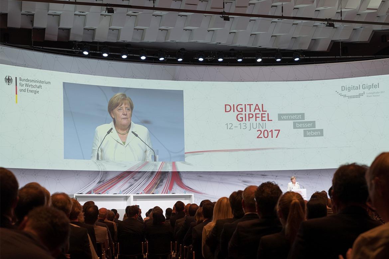 Vernetzt besser leben: Der Digital-Gipfel 2017