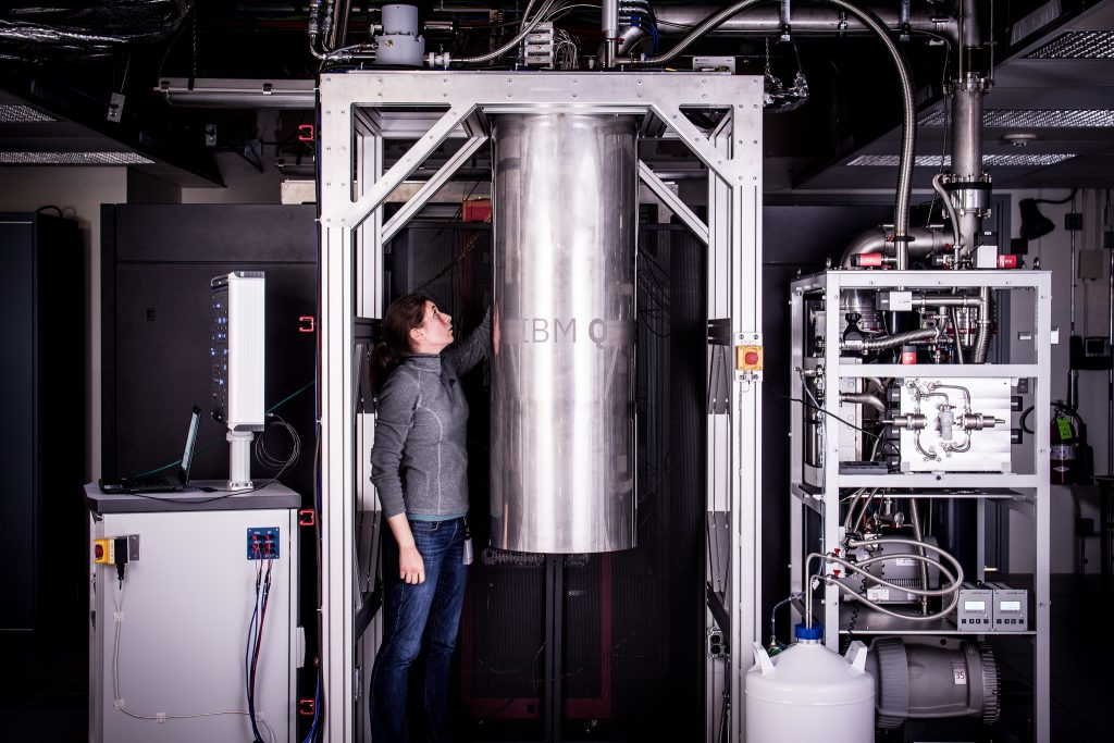 IBM Research Staff Member Katie Pooley, an Applied Physics PhD from Harvard who joined IBM in 2015, at the Thomas J Watson Research Center, is a process integrator on the IBM Q team. In the photo, Pooley is examining a cryostat with the new prototype of a commercial quantum processor inside. (Bild: ?Andy Aaron/ IBM Deutschland GmbH/Flickr.com)