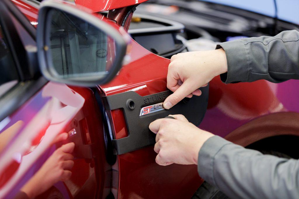 Verglichen mit den Kosten für herkömmlich hergestellte Tools spart Ford durch die 3D-gedruckten Vorrichtungen und Schablonen ca. 1.000 Euro pro Teil ein. (Bild: Ultimaker B.V.)