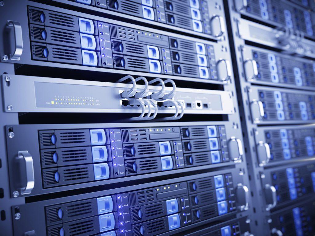 Computer servers (Bild: ©Sashkin/Fotolia.com)